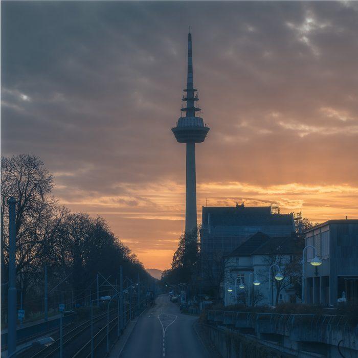 Straße zum Mannheimer Fernsehturm