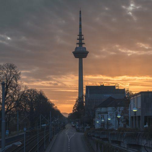 Strasse zum Mannheimer Fernsehturm